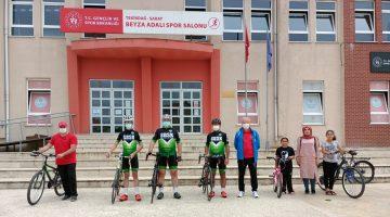 Saray Spor Bisiklet Takımından  İlçe Gençlik ve Spor Müdürü Fehmi Çüren'e Ziyaret
