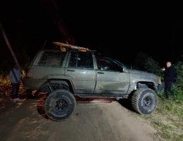Arazi aracı Manevra Yaparken Dere Yatağına Düştü 3 Yaralı